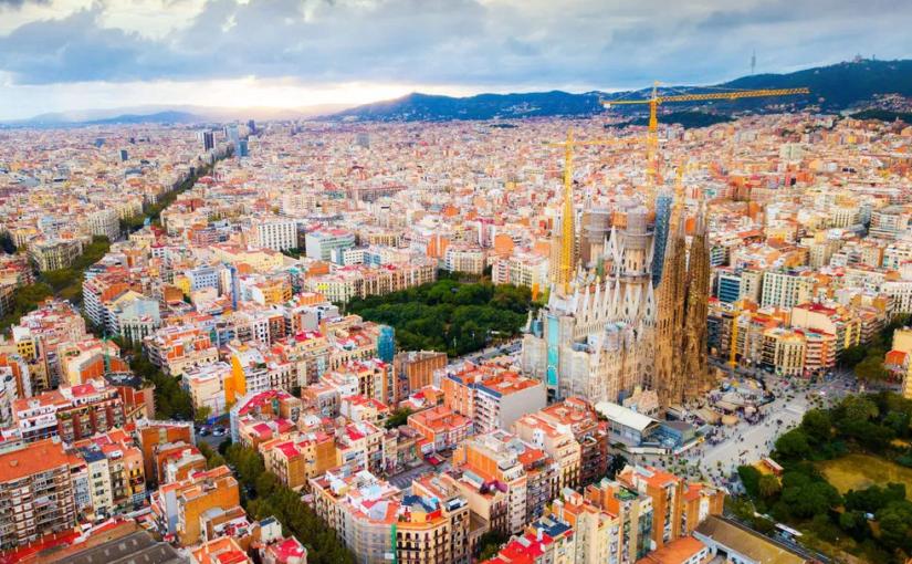 Mă mut în Barcelona